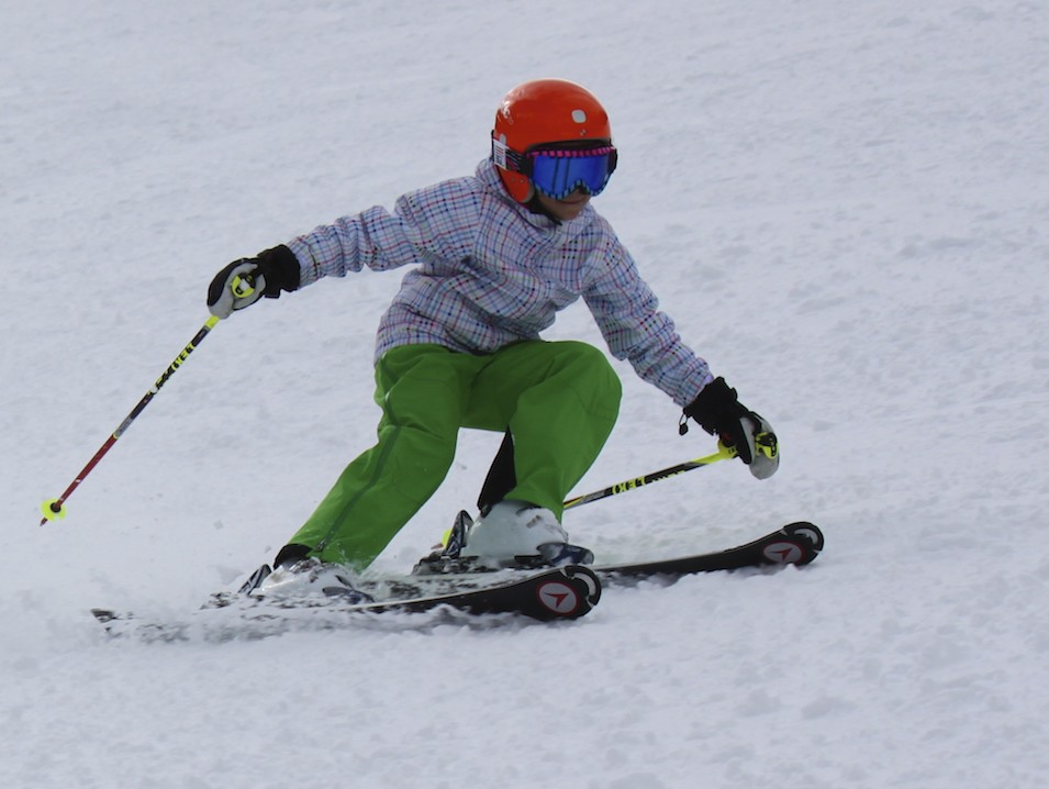 E Carving it up at Sun Valley