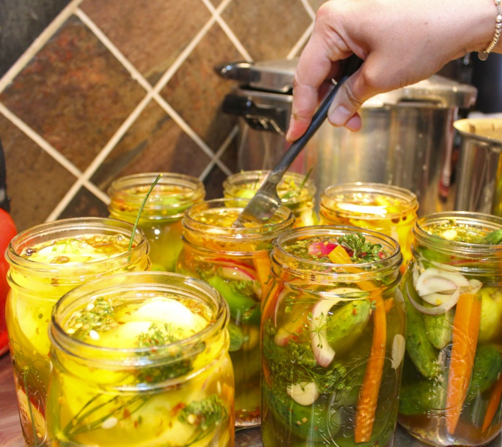 How to Make Spicy Pickles